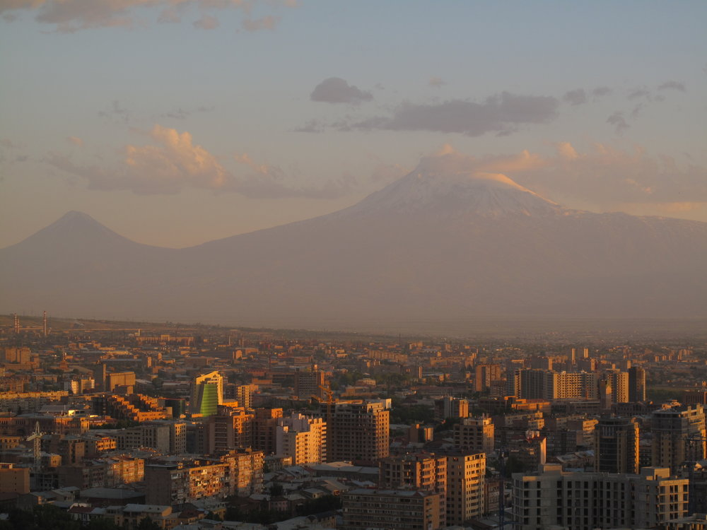 Вид на Ереван и гору Арарат, автор Forbes Johnston | flickr.com