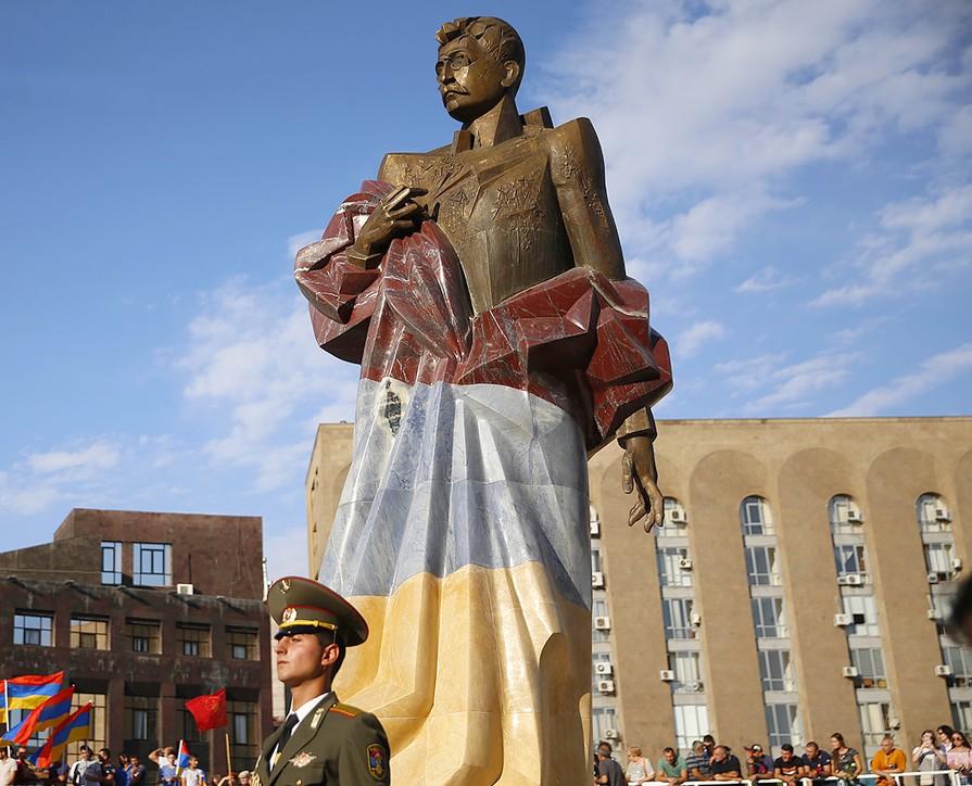Церемония открытия памятника   primeminister.am