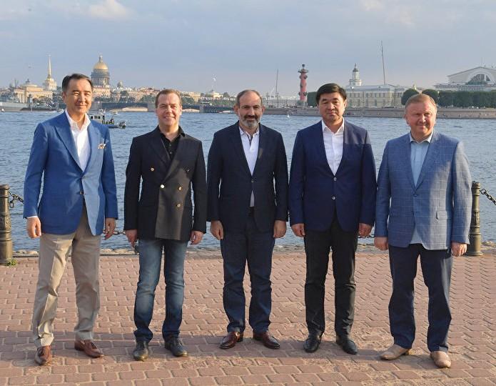 Участники заседания ©Sputnik / Александр Астафьев | armeniasputnik.am