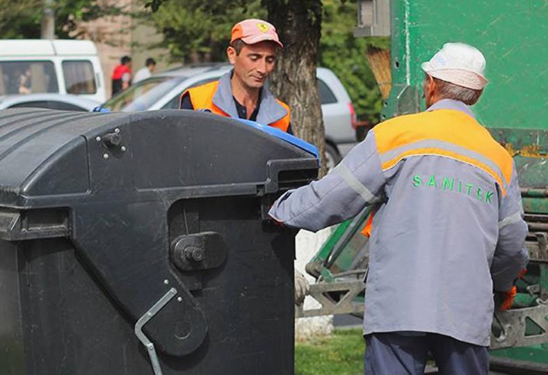 Сотрудники «Санитека» за работой | armeniasputnik.am