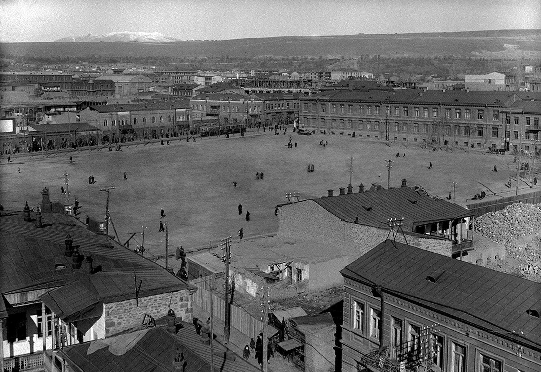 Главная площадь Еревана в 1916 году | humus.livejournal.com