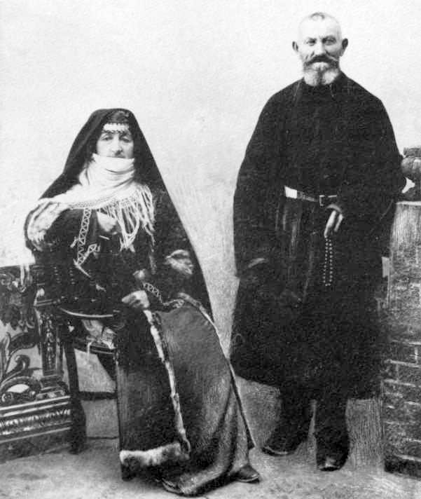 Армянская пожилая пара из Шуши (Арцах). Фотография рубежа XIX–XX вв. ǁ wikimedia.org
