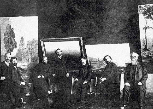 Ованес Туманян, Аветик Исаакян, Комитас, Аршак Чобанян, Геворг Башинджагян, Вартанес Папазян и Газарос Агаян в мастерской Башинджагяна, 1908 год