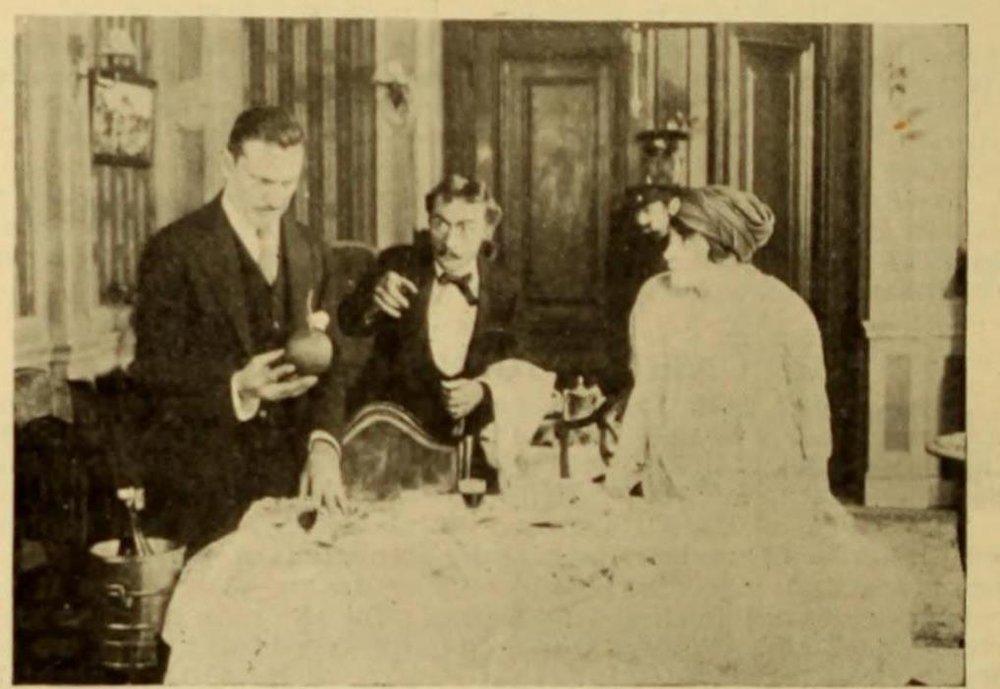 Джон Бэрримор и Флора Забел в фильме «Красная вдова» (1916) ǁ imdb.com