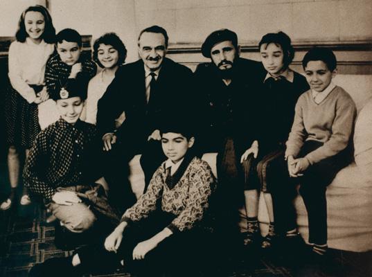 Фидель Кастро и Анастас Микоян с внуками ǁ  stasnamin.ru