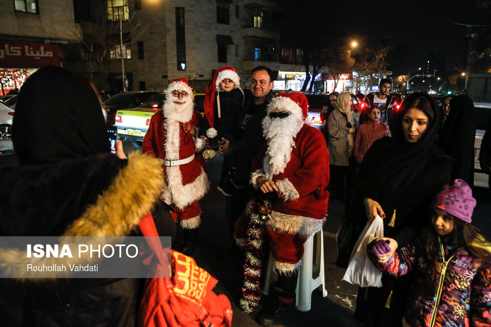 Рождественская ярмарка на улице Мирза Ширази в Тегеране | isna.ir
