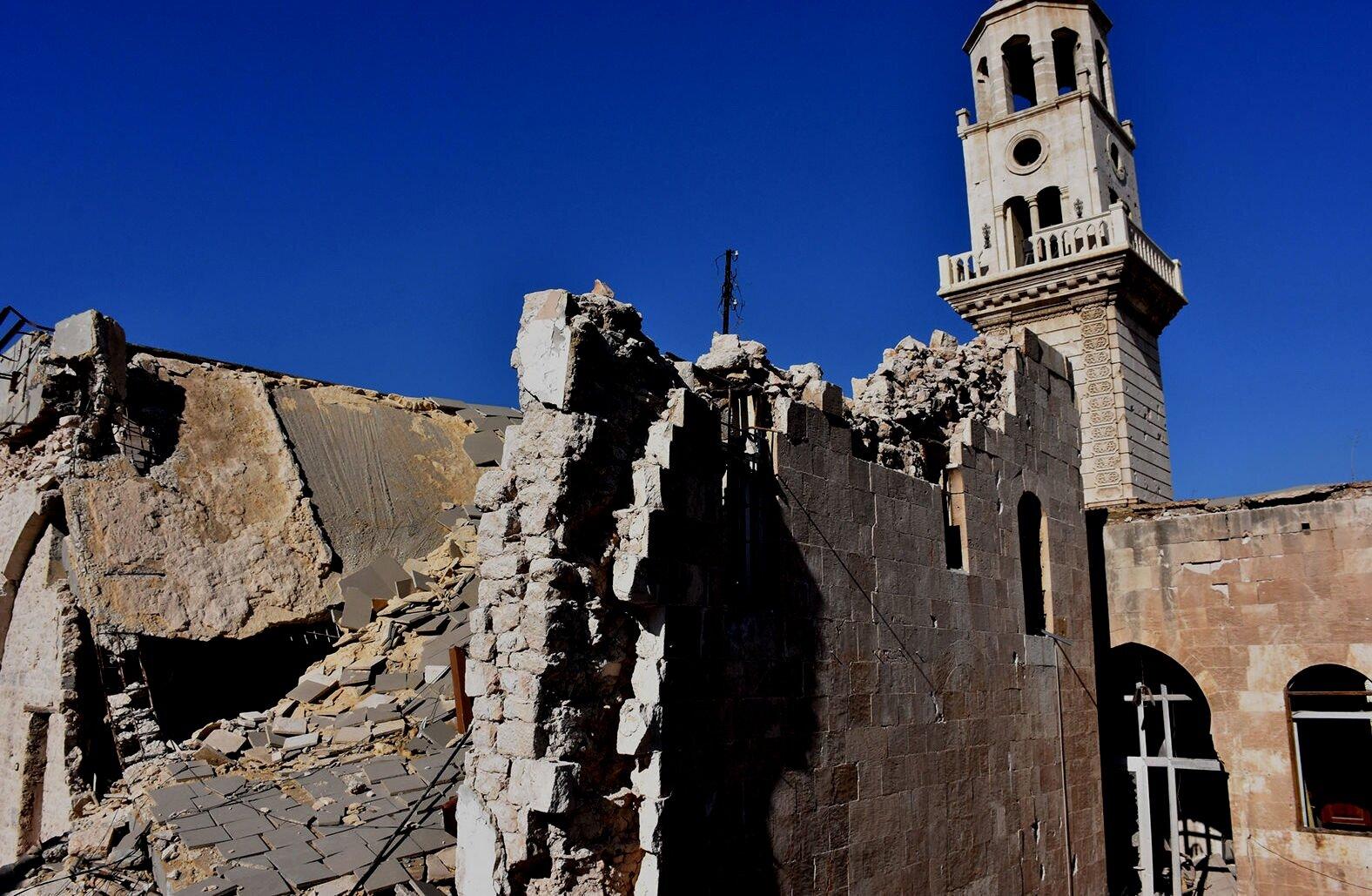 В восстановленном армянском храме в Сирии прошла первая Литургия ...