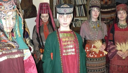 Хранительница времени Лусик Агулеци — Армянский музей Москвы и ...