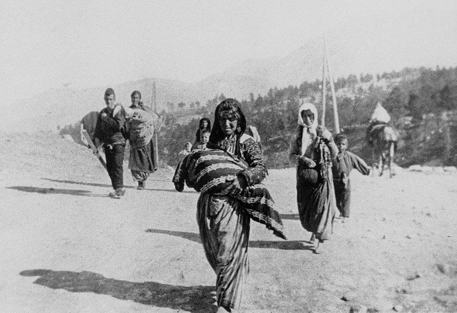 33 года назад Европейский парламент принял резолюцию о Геноциде армян —  Армянский музей Москвы и культуры наций