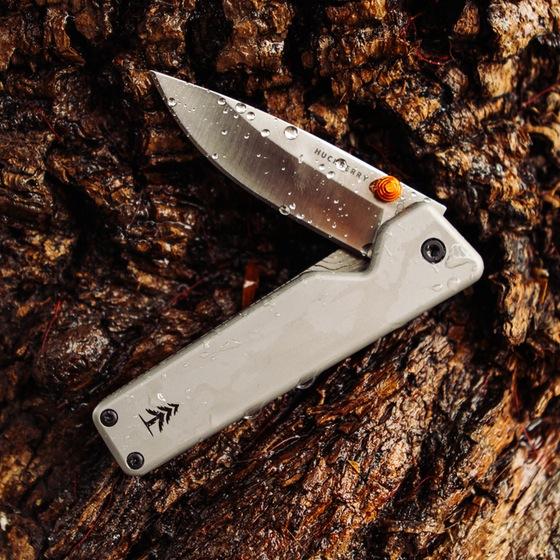 9KXiU5aZFA_huckberry_chapter_knife_8_original.jpg