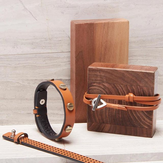 Chestnut. A rich hue in sleek styles.  Available now on our website!  #jammxiv #jammxivbracelet #leathergoods #leathergoods #smallleathergoods #mensleather #leatheraccessories #mensstyle #leathercraft #nycstyle #cardholders #keyring #leatherfashion #mensfashion #wristaction #whatsonyourwrist #armcandy #leather #bracelets #braceletstacks