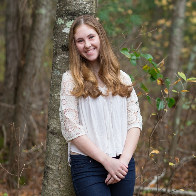 sea green photography, cynthia ragona, barrington, rhode island senior portrait photographer, senior girl trees