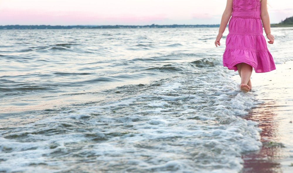 sea green photography, beach, pink dress, bare feet