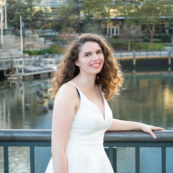 sea green photography, senior portrait, rhode island photographer, girl, providence, waterplace park, urban, smiling