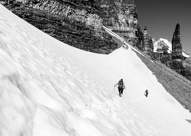 Climbers approach the fun, picturesque Grand Sentinal Tower tucked away in Sentinel Pass, a short hike from Moraine Lake. ⁣ ⁣ www.redlinephoto.ca⁣ ⁣ ⁣ #rockclimbing #lakelouisecanada #lakelouise #grandsentinel #sentinelpass ⁣#cardiacarete #travelalberta #explorecanada #cangeo #explorebanff