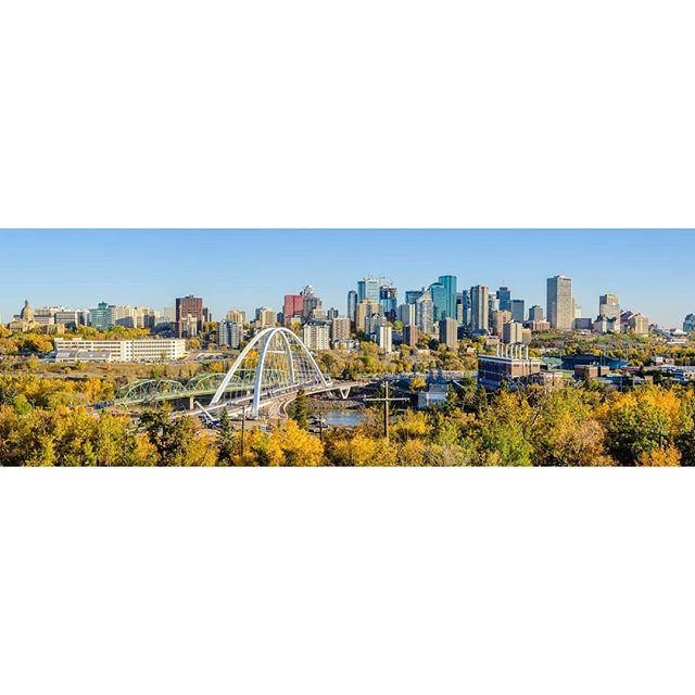 Looking good, Edmonton.   www.redlinephoto.ca   #edmonton #780 #alberta #urbanyeg #igyeg #edmontonliving #explorealberta #yegphotographer #travelalberta #yeglocal #rivervalley #instagramyeg #exploreedmonton #architecturelovers #architectureporn #architecturephotography #archidaily #archdaily #archilovers #modern #gh3architects #yegdt #nikon #canadianarchitecture #edmontonarchitecture 