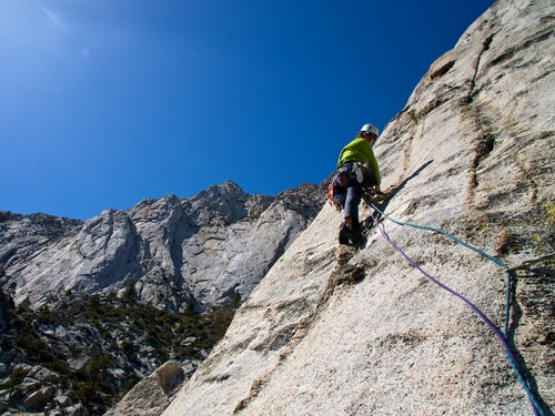 leading rock climbing course