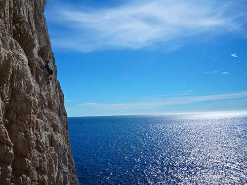 les calanques rock climbing