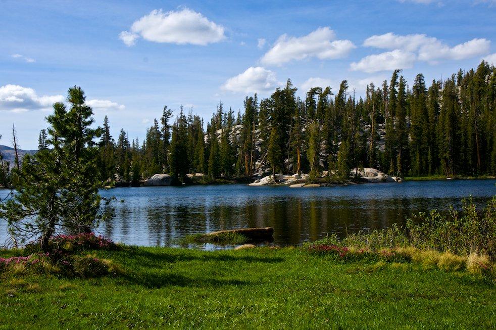 sunrise lakes yosemite
