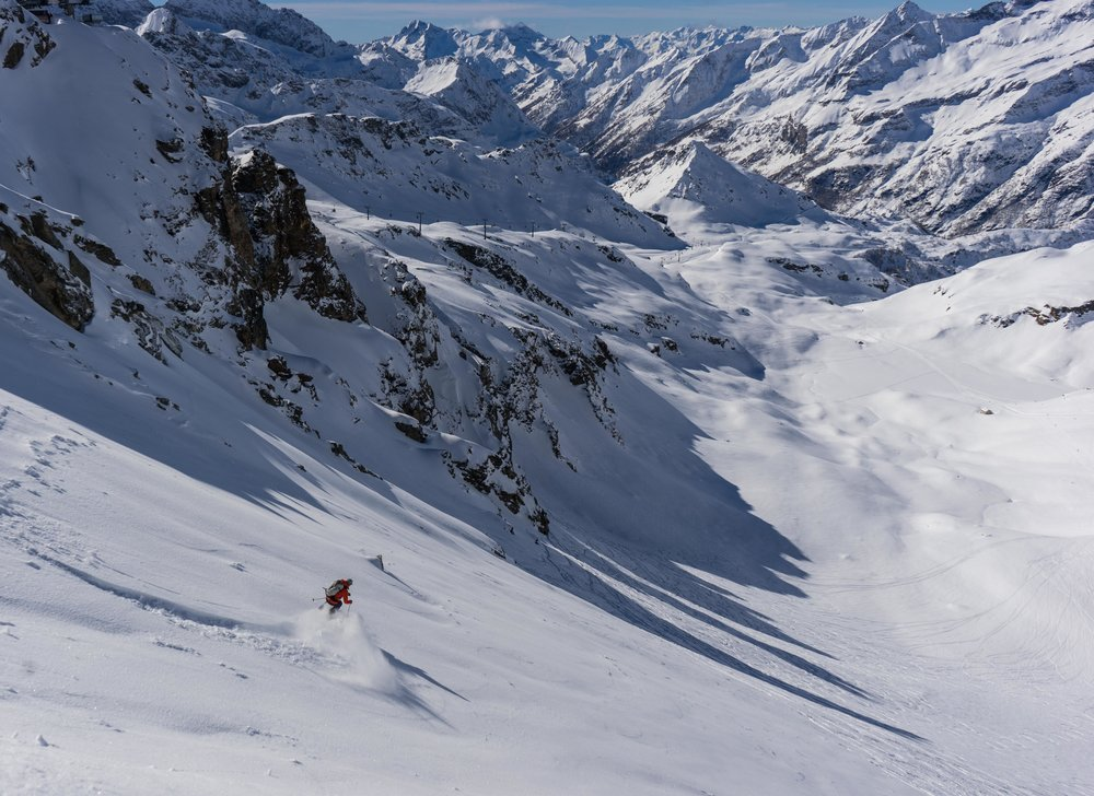 Skiing in Alagna