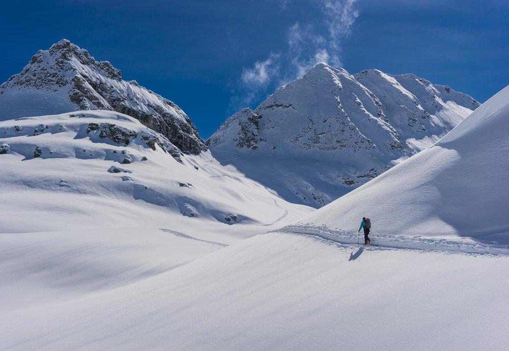 Backcountry ski touring in Alagna
