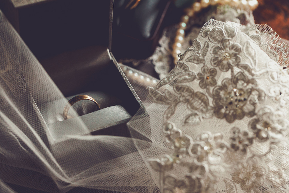 Details from the Wedding Day | #HisQueenHerEngelking Wedding | Photography by Two Arrows Photography at twoarrowsphoto.com