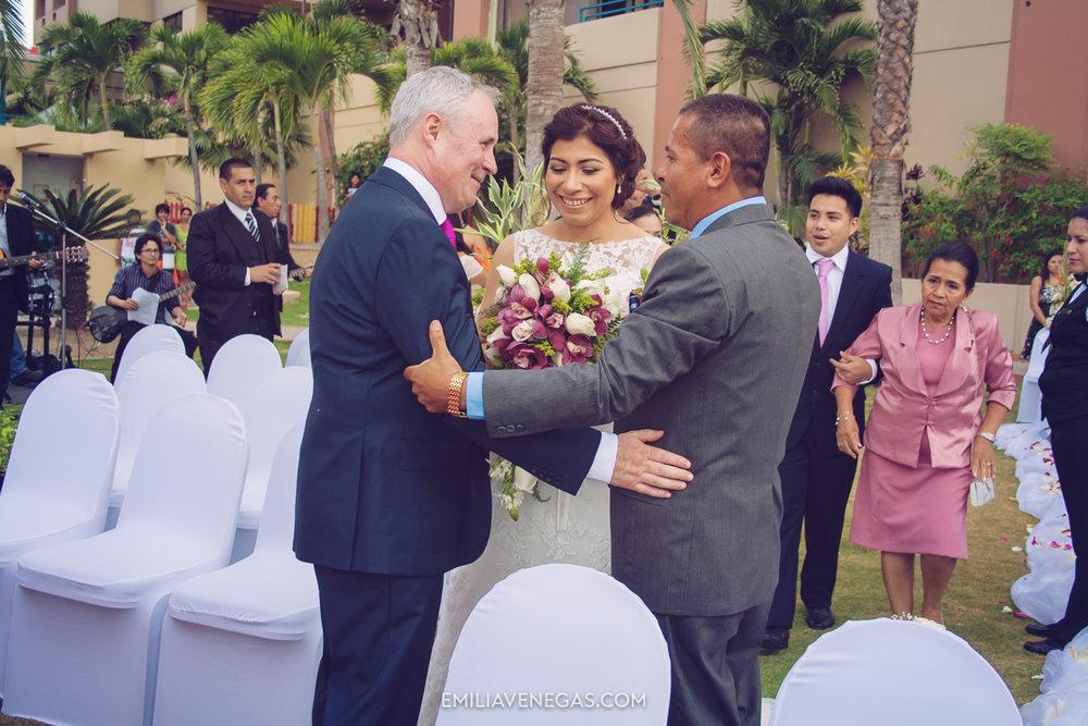 fotografia-de-bodas-weddings-Manta-Hotel-Oro-Verde-12.jpg
