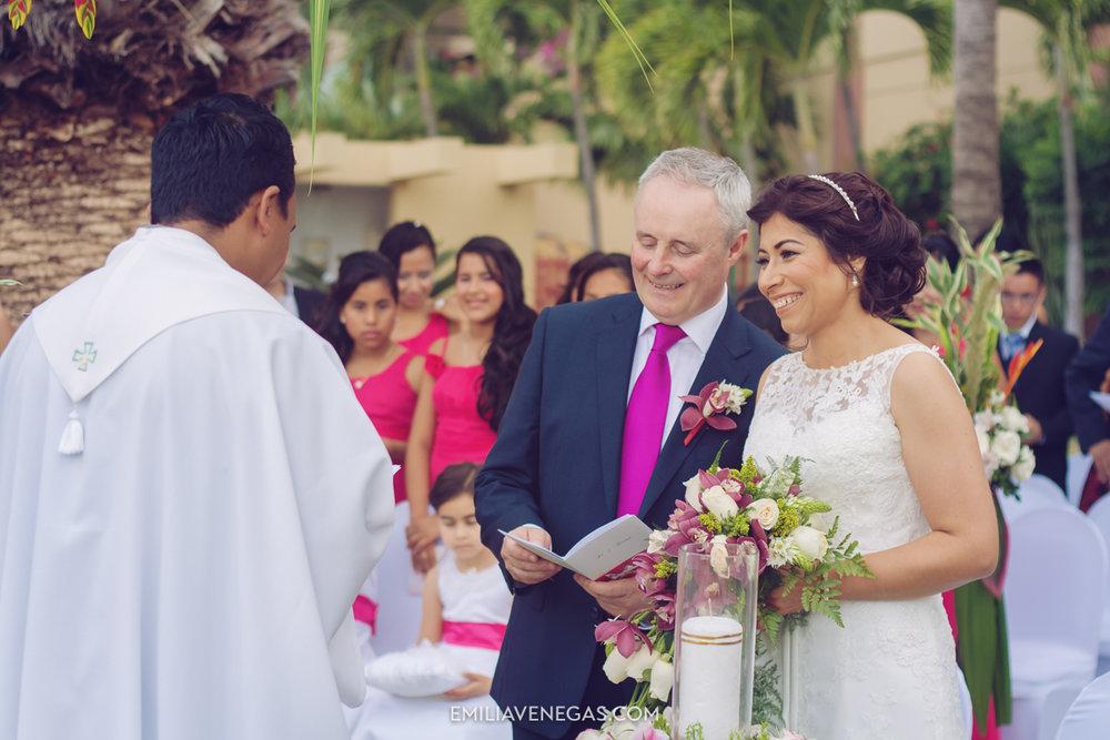 fotografia-de-bodas-weddings-Manta-Hotel-Oro-Verde-19.jpg