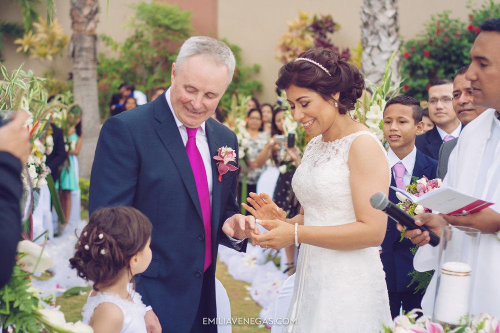 fotografia-de-bodas-weddings-Manta-Hotel-Oro-Verde-22.jpg