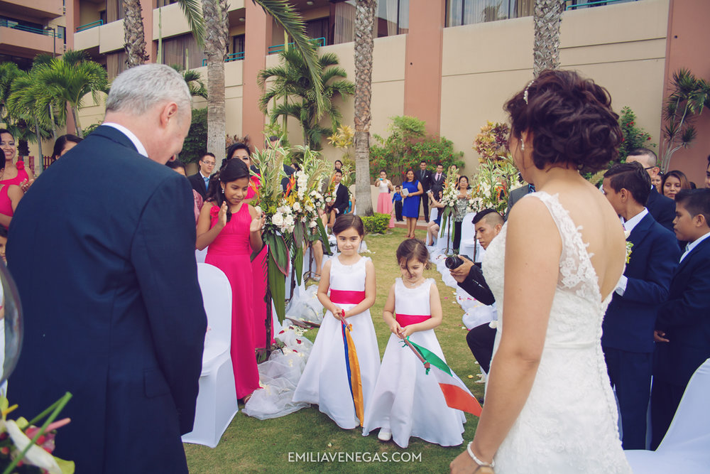 fotografia-de-bodas-weddings-Manta-Hotel-Oro-Verde-25.jpg
