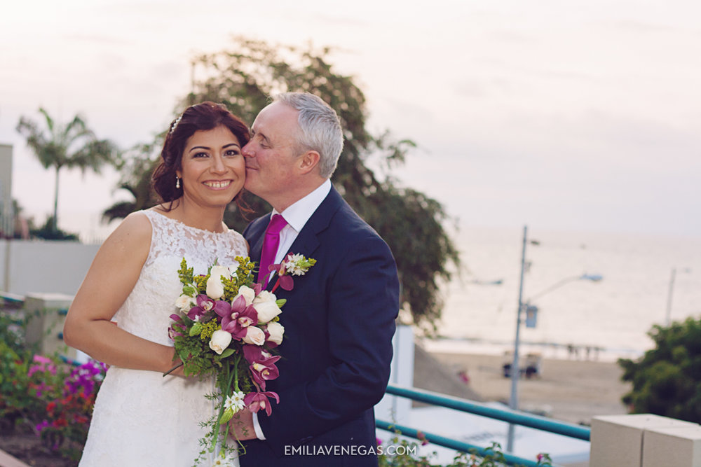 fotografia-de-bodas-weddings-Manta-Hotel-Oro-Verde-27.jpg
