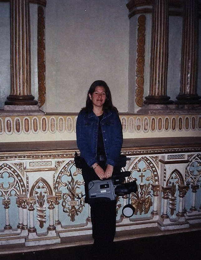 En un viaje de pasantías a Cuenca,con una de mis cosas favoritas: una cámara de video.