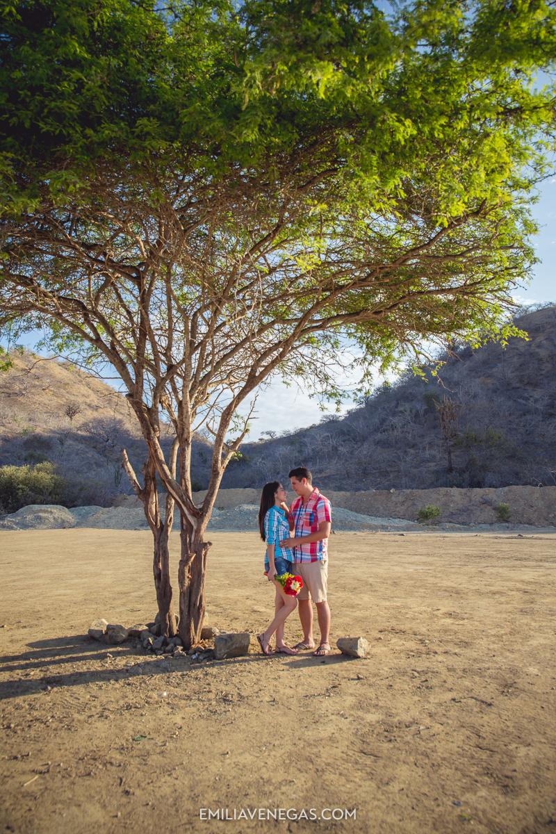fotografia-parejas-novios-Playa-Tiñosa-Manabi-1.jpg
