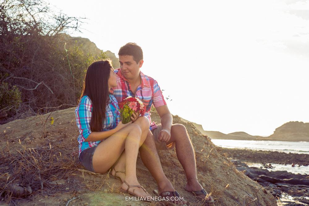 fotografia-parejas-novios-Playa-Tiñosa-Manabi-4.jpg