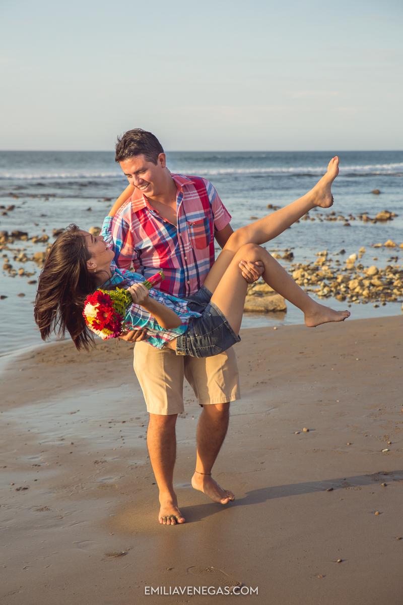 fotografia-parejas-novios-Playa-Tiñosa-Manabi-6.jpg