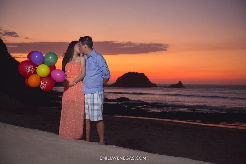 fotografia-parejas-novios-Playa-Tiñosa-Manabi-13.jpg