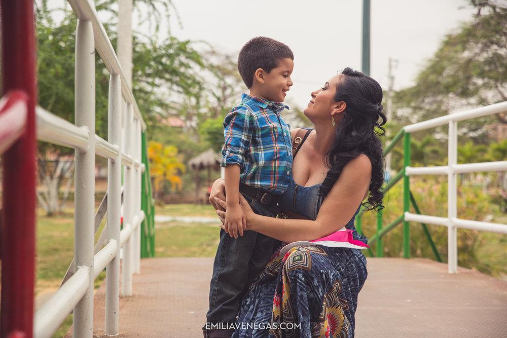 fotografia-familiar-niños-parque-forestal-Portoviejo-6.jpg
