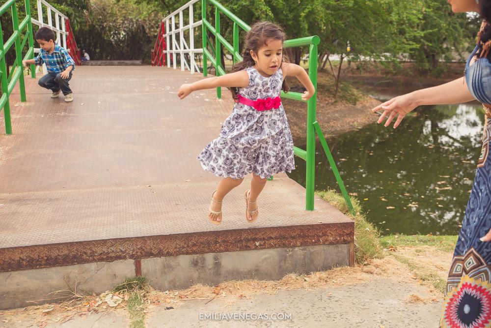 fotografia-familiar-niños-parque-forestal-Portoviejo-9.jpg