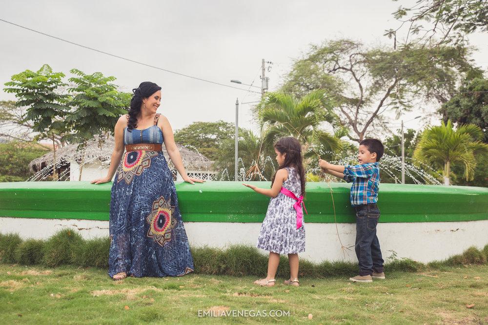 fotografia-familiar-niños-parque-forestal-Portoviejo-13.jpg