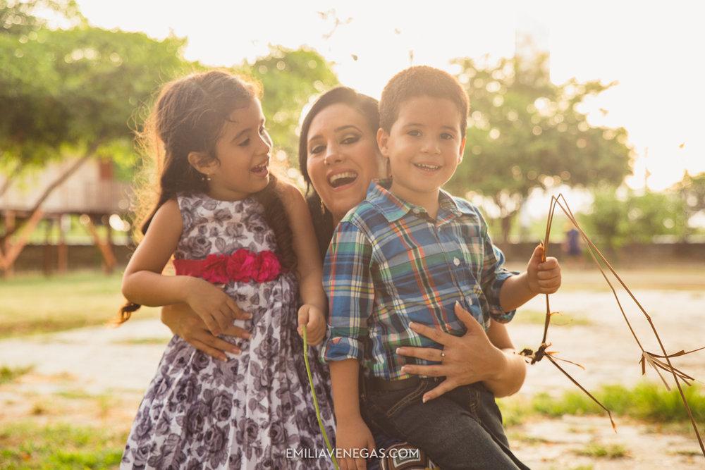 fotografia-familiar-niños-parque-forestal-Portoviejo-17.jpg