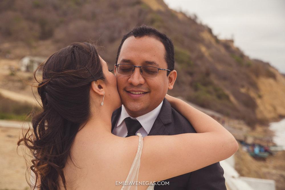 fotografia-pareja-novios-boda-Bahia-Manabi-18.jpg