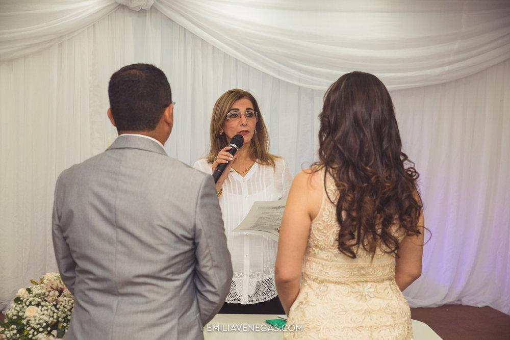 fotografia-pareja-novios-boda-civil-Portoviejo-Manabi-5.jpg
