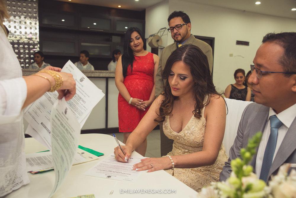 fotografia-pareja-novios-boda-civil-Portoviejo-Manabi-8.jpg