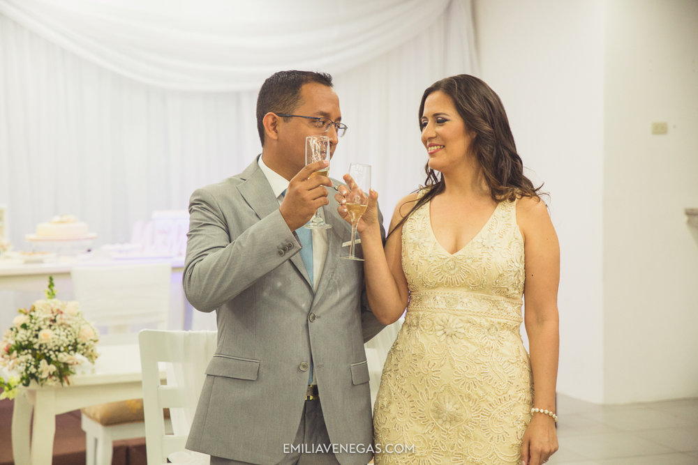 fotografia-pareja-novios-boda-civil-Portoviejo-Manabi-12.jpg