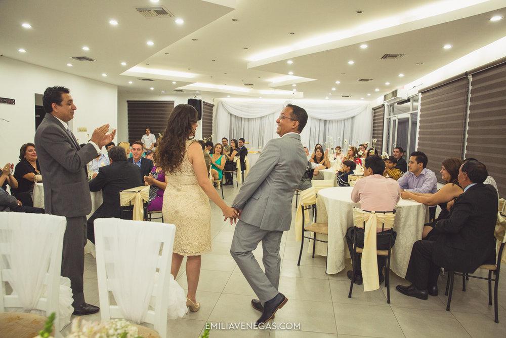 fotografia-pareja-novios-boda-civil-Portoviejo-Manabi-17.jpg