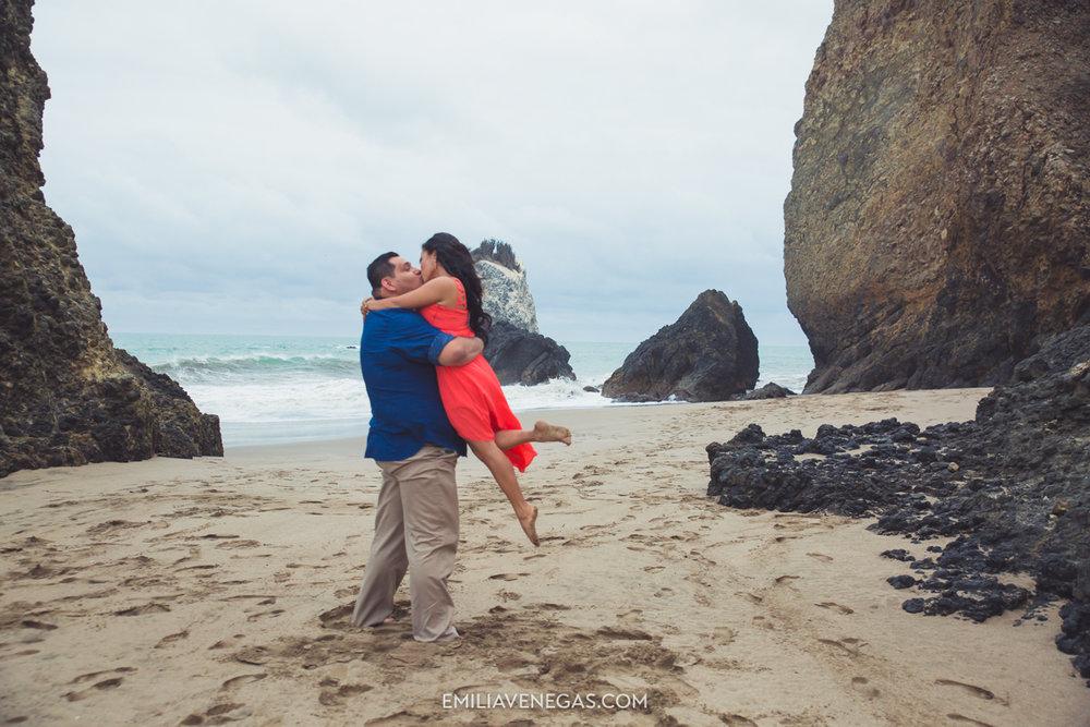 fotografia-boda-playa-parejas-novios-Portoviejo-Manabi-14.jpg