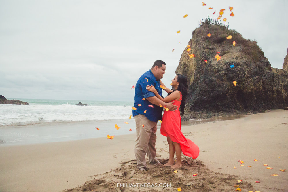 fotografia-boda-playa-parejas-novios-Portoviejo-Manabi-16.jpg
