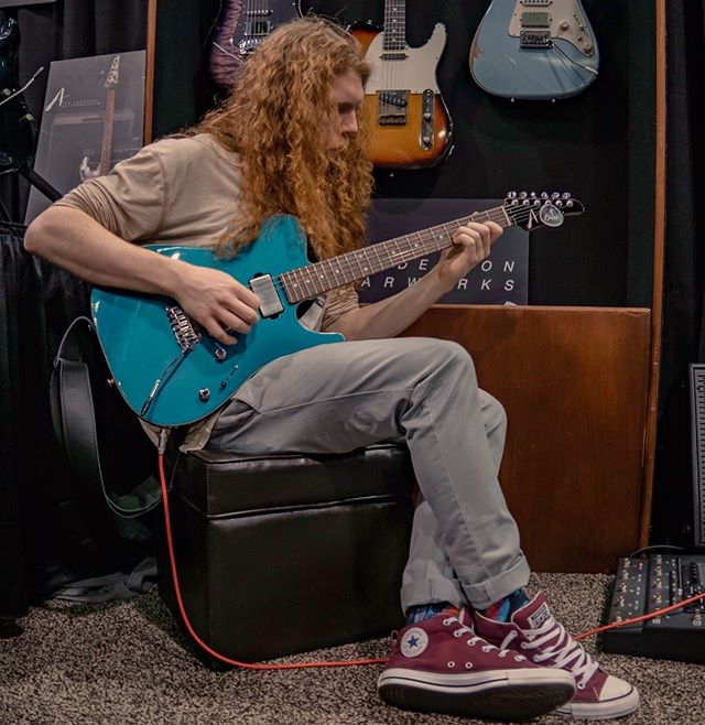Shoutout to @jkui for letting me have a jam on his brand new  @andersonguitarworks Ocean Turquoise Cobra.  May look like water but, dang it breathes fire 🔥 📷: @helencraighead  #andersonguitarworks #jasonkui #cobra #oceanturquoise #seanashe #mesaboogie #mesaengineering #converse #shouldhavetiedmyshoes #guitarsofinstagram #geartalk #boutiqueguitars