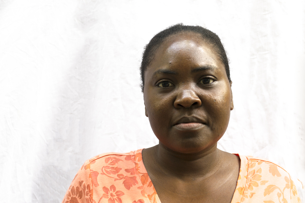 Jeanite has worked at Sant Art for 14 years and enjoys making embroidery. When not at Sant Art she's busy doing housework and taking care of her 7,6, and 13 month old.