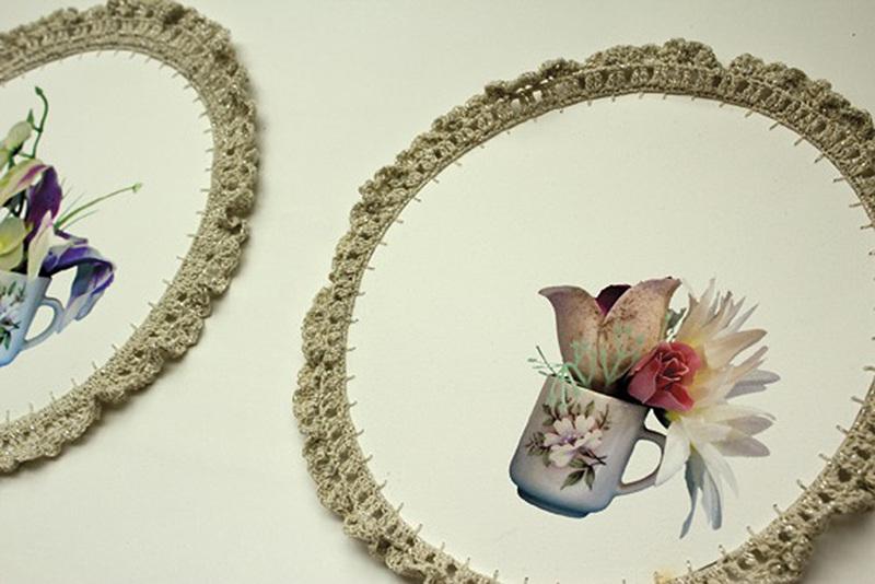 Jerónimas  Impresión sobre papel de algodón y puntilla de hilo algodón. 27 cm de diámetro cada una (serie de 7), 2012